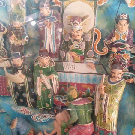 蓮池潭龍虎塔龍の内部陶製の壁画